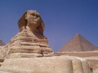 https://i0.wp.com/www.guardians.net/egypt/sphinx/images/sphinx-southeast-2001.jpg?resize=320%2C240
