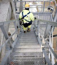 Metal Industrial Flooring, Steel Stair Grid Treads | GuardRail
