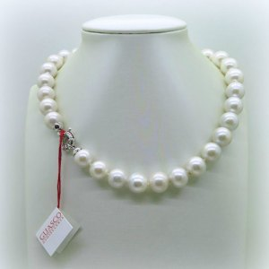 Collana girocollo di perle scalare chiusura in oro