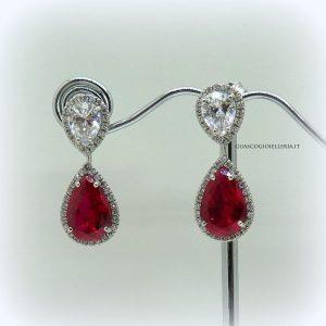 Orecchini pendenti centro rosso color rubino in argento 925 e contorno