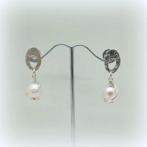Orecchini pendenti con perla Athena in argento 925