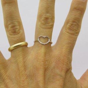 Anello cuore in oro bianco 18 ct