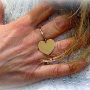 Anello cuore pendente in oro giallo 18 ct