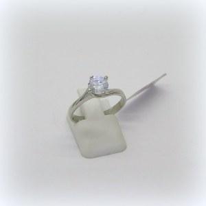 Anello solitario Valentino in oro bianco e zirconi