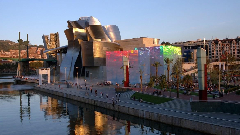 Imagini pentru Guggenheim Museum Spain