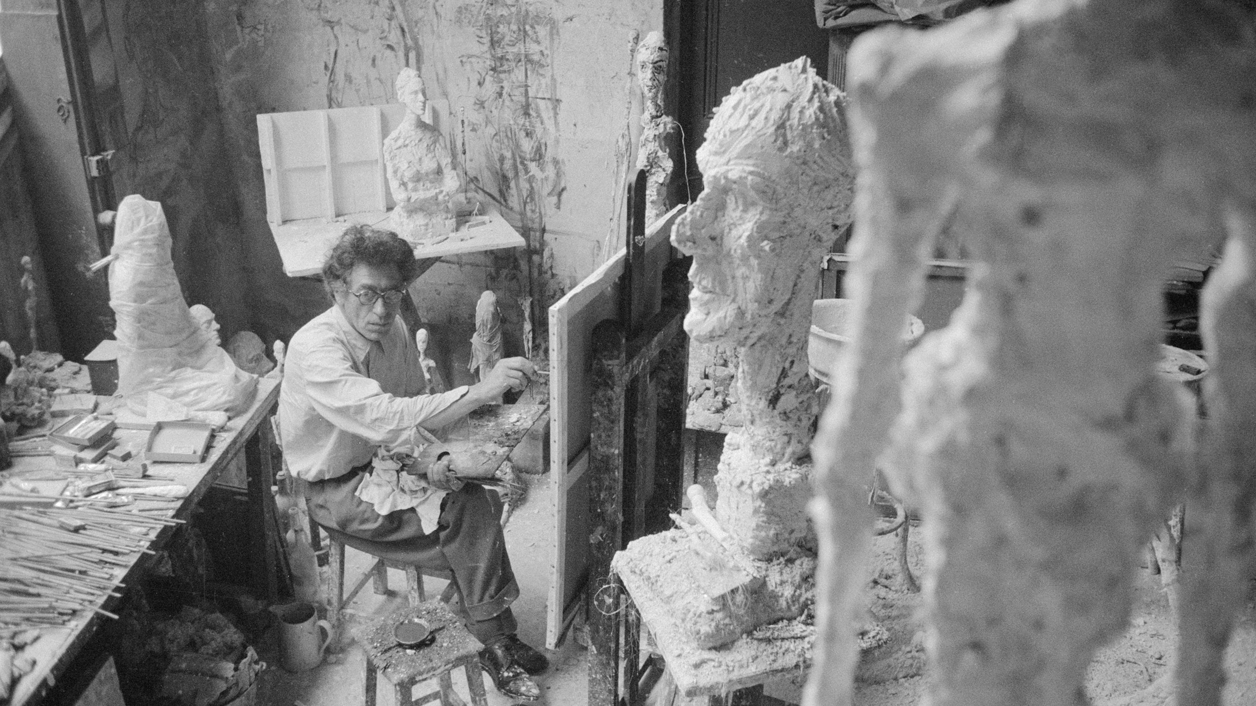 """d9e6b4a85eb95e """"To Be As Free As Possible"""": Giacometti's Sculptures And Drawings At The  Guggenheim"""