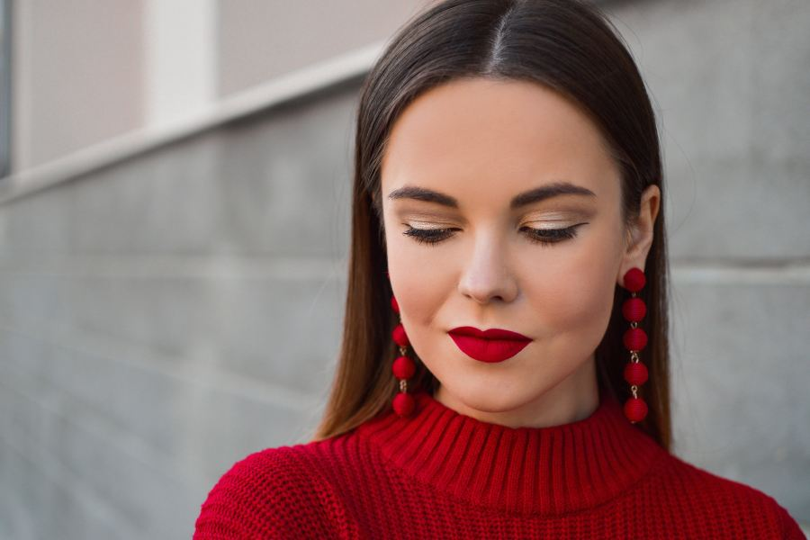 girl with red accessories, clothes and lipstick