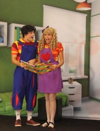Os personagens Fernandinho e Iara - Crédito Sopa de Teatro