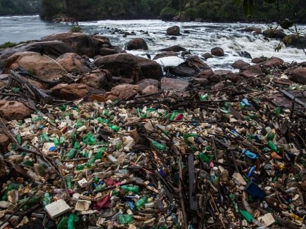 Seca nos rios de São Paulo deixa lixo exposto - Guia BSB.net