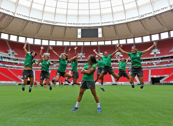 Seleção Brasileira de futebol feminino participa do Torneio Feminino de Futebol no Estádio Mané Garrincha