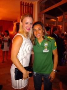 Jogadora Marta e Vanessa