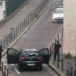 Ataque em sede de revista em Paris