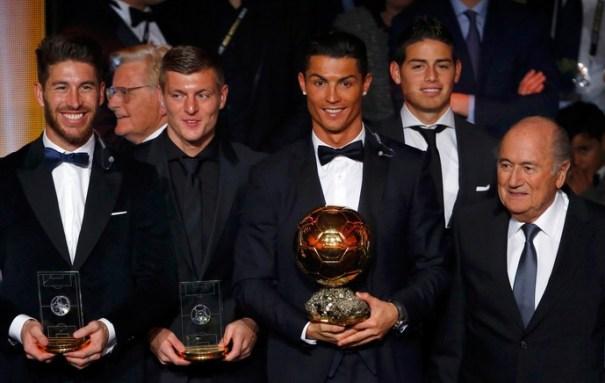 Sergio Ramos, Kroos, Cristiano Ronaldo e James Rodriguez: Real Madrid premiado na Fifa (Foto: Reuters)