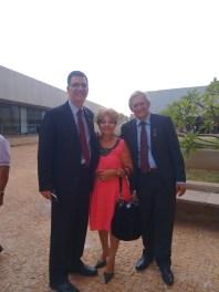 O Secretário de Justiça,Saulo ao lado do Deputado Raimundo Ribeiro e Luzia Câmara