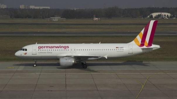 """Acidente. Airbus A320 da Germanwings: """"ainda não sabemos a razão pela qual um deles saiu"""", disse fonte - Foto: Jan Seba/Reuters"""