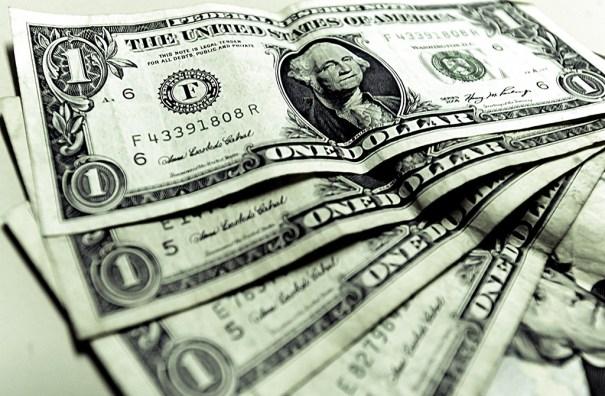 Dólar renova máxima e vai a quase R$ 3,30 com tensão política e exterior - Foto: Internet