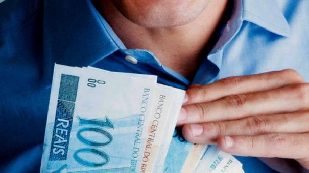 Metade dos trabalhadores não pagaria IR se tabela mudasse - Foto: FABIO HEIZENREDER