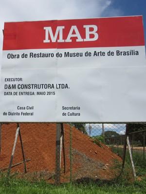 Museu de Arte de Brasília (MAB), no Setor de Hotéis e Turismo Norte, com as obras paralisadas (Foto: Isabella Formiga/G1)