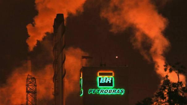 Petrobras: em 2014, o prejuízo foi de R$ 21,587 bilhões - Foto: Paulo Whitaker/Reuters