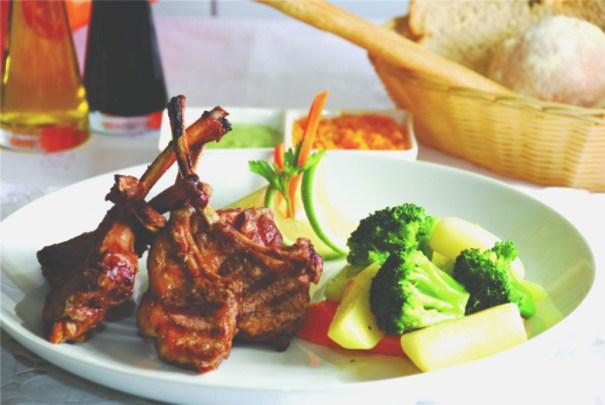 Ready Beef - Carré de cordeiro com geleia de hortelã