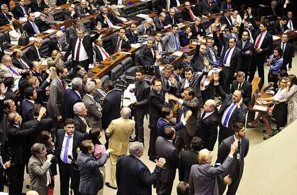 Deputados aprovaram mudança na Constituição, que hoje define em 70 anos a idade de aposentadoria compulsória - Foto: Luis Macedo/Câmara dos Deputados
