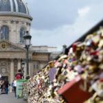 """Paris começará remover 45 toneladas de """"cadeados do amor"""""""