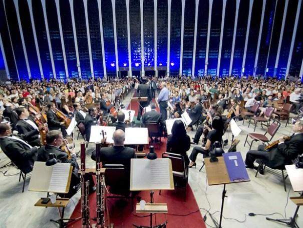 Orquestra Sinfônica de Brasília durante concerto no santuário Dom Bosco (Foto: Junior Aragão/Divulgação)