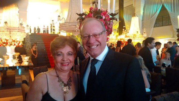 Presidente do Hospital Anchieta, Dr. Délcio Pereira, e a jornalista Luzia Câmara