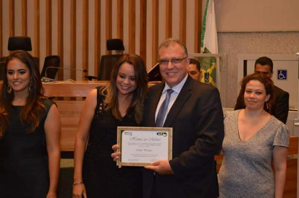 Diretor da Bancorbrás, Carlos Eduardo Pereira, recebe Prêmio AJE Empreendedor 2015