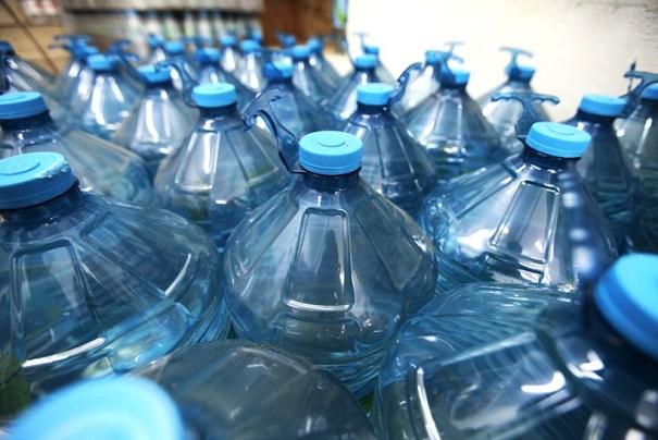 CBMDF e Defesa Civil recebem doações de água para a cidade de Governador Valadares