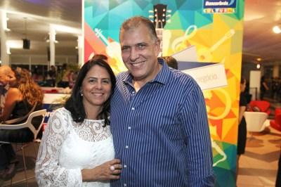 Diretor da Agência e Operadora Bancorbrás, Carlos Eduardo Pereira e Rosimar Caixeta - Créd. Cidu Okubo