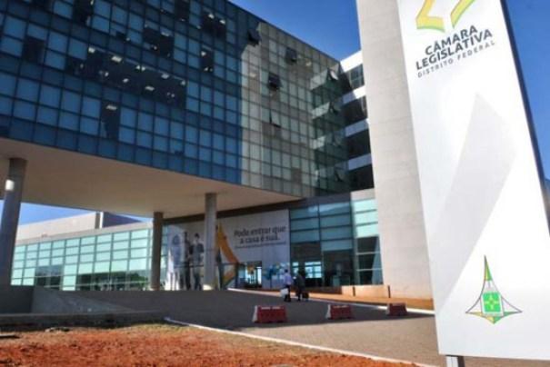 Novo edital da Câmara Legislativa do DF vai oferecer salário inicial de R$ 22 mil - Foto: BRENO FORTES/CB/D.A PRESS