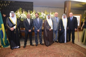 Embaixador do Estado de Kuwait, Ayadah M. Alsaidi, 1º Ministro da Embaixada do Iraque, Sr. Jawad K. Saeed