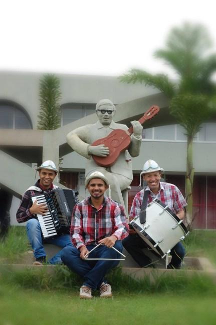 Trio Balançado estarão presentes na festa junina do Arraiá de Águas Claras
