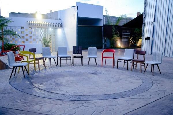 Arquitetos e Designers customizam cadeiras para os vencedores do 15º Prêmio Engenho de Comunicação