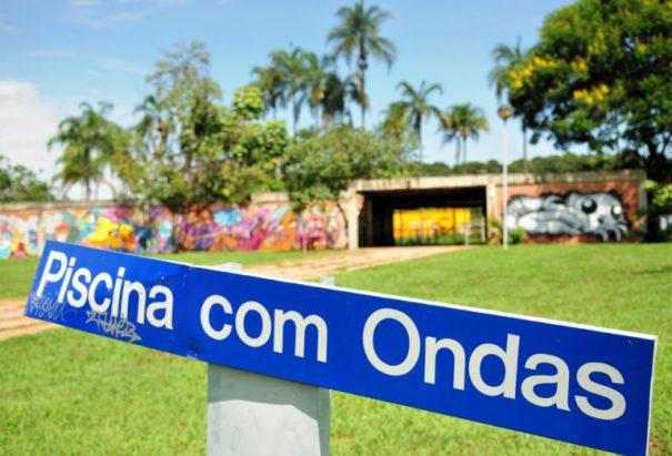Atração diferenciada do Parque da Cidade durante muitos anos, a piscina com ondas acabou abandonada; com o projeto, poderá voltar a funcionar - Fonte: Agência Brasília