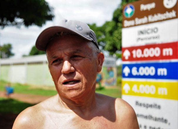 """O aposentado Antônio Alexandre Barbosa frequenta o Parque da Cidade há mais de 40 anos e comemora a ideia da revitalização: """"É uma ótima ideia fazer isso!"""" - Foto: Agência Brasília"""