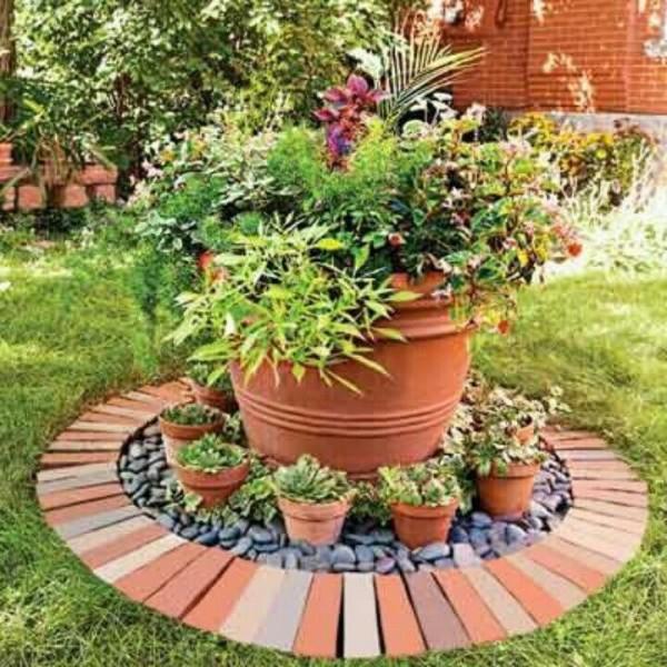 10 idee per utilizzare i mattoni in giardino guida giardino for Classic house plants