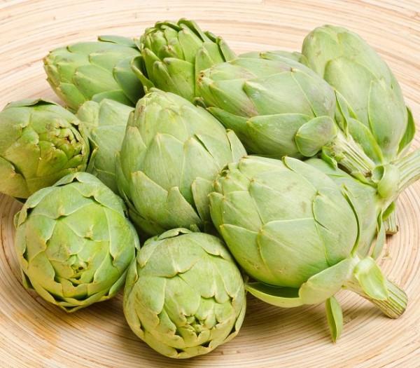 I carciofi nani, che possono essere consumati per intero eliminando solamente le foglie esterne, possono essere coltivati in vaso
