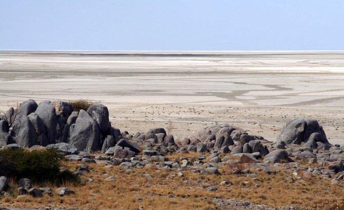 Kubu o la isla rodeada de… arena y sal