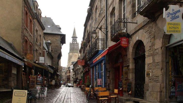 Dinan: un paraíso histórico en la Bretaña francesa.
