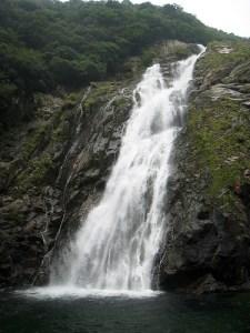 La isla del Sugi - okonotaki-japan-lrjb-8170169-l-225x300