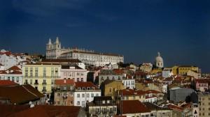 Alfama, historia de un bello pueblo de Lisboa - alfama-7-300x168
