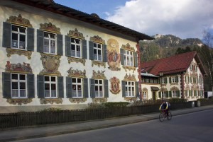 Oberammergau, en la Baviera alemana - 4639504313_ec75acf7a1_z-300x201
