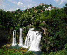 Jajce, ciudad histórica entre cascadas - jajce-bosnia-2-300x247