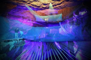 Bounce Below: diversión bajo tierra en Gales - Trampolines-300x199