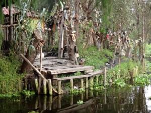 La Isla habitada por muñecos - Chilampa-de-las-muñecas-300x225
