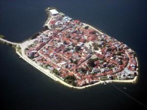 La isla de Flores (Guatemala) - Isla_de_Flores-300x224