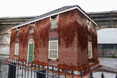 La casa perecedera de Alex Chinnek