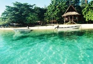 Nusa Island, paraíso del surf y el buceo. - Viviendas-nativas-300x208